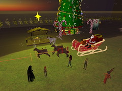 Second Life BB 31 (Gary Hayes) Tags: secondlife bigbrother housemates xmastree challenges endemol muve environmentdesign virtualrealitytv tvformat
