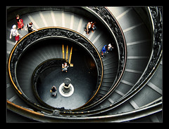 Vatican stairs (brunoat) Tags: italy vatican rome roma museum architecture stairs italia vaticano museo michelangelo miguelangel espiral downstairs escaleras vaticanstairs lmff lmff1 lmff2 lmff3 lmff4 lmff5 lmff6 lmff7 brunoat abigfave 30faves30comments300views 20espacios brunoabarca