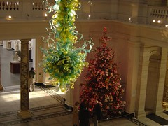 V&A (sjnewton) Tags: red green london 2004 glass museum december geometry sony albert victoria va dalechihuly southkensington cromwellroad dscp12 sw72rl