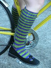 Knee highs in action! (stupid clever) Tags: bicycle sock azuki kneehighs pureknits socktoberfest yarntini knitsock purefall