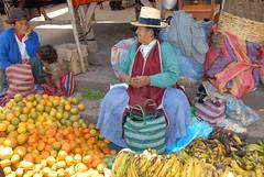 fruits on the market of Pisaq - Peru (picaddict) Tags: peru frutas cuzco america market south explore mercado bananas vegetales pisaq naranjas plátanos p1f1 firsttheearth internationalgeographic peruvianimages worldtrekker peruvianfruits purixperu