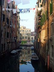 Venezia. Ghetto novo [Photo by Zingaro. I am a gipsy too.] (CC BY-SA 3.0)