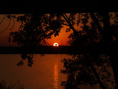 INDIANA SUNSET (JAMES HALLROBINSON) Tags: sunset usa color glow dusk kentucky indiana ohioriver helluva instantfave