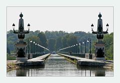 Bridge of Briare (Loire) - pont de Briare (pe_ha45) Tags: bridge france canal frankreich pont kanal brcke loire briare aplusphoto mygearandme mygearandmepremium mygearandmebronze mygearandmesilver mygearandmegold