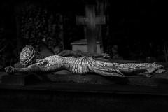 I.N.R.I. (lichtspur) Tags: kunst art city stadt dunkel sw grab grave religion isolated dof monochrome dark black blackandwhite friedhof jesus sculpture cemetery