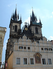 Church of Our Lady before Tn (Kostel Panny Marie ped Tnem) (Divvi) Tags: prague kostelpannymariepedtnem churchofourladybeforetn spires gothic