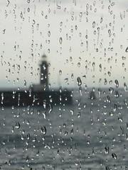 (Linhas&Missangas) Tags: lighthouse praia beach portugal window rain chuva porto janela farol
