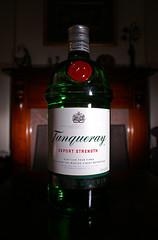 Tanqueray Neutral (Lamul) Tags: gin tanqueray minotla dynax5d sb25 strobist