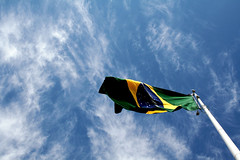 National Holiday (R. Motti) Tags: blue brazil sky holiday bandeira brasil clouds republic sopaulo flag national motti feriado nationalholiday november15 15denovembro proclamaodarepblica ricardomotti