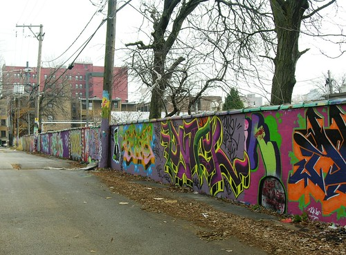 Alley of graffiti in Hyde Park by YoChicago1.