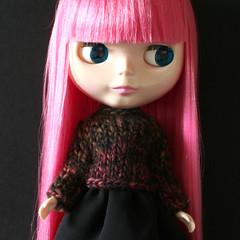 Pink (Helena / Funny Bunny) Tags: doll blythe custom velvetminuet olds sbl funnybunny candypink solidbackground chunkysweater fbfashion
