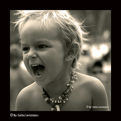 Childrens and Trance Music 002 (Levistrauss) Tags: brazil people bw music white black topf25 brasil kids d50 nikon child hummingbird emotion estudo social frame earthdance psytrance childrens hippie cerrado criana carf visual juju bianco nero anthropology trance cultural feelings gois pesquisa antropologia tranformation emotinal fullon changemaker portrains procarf