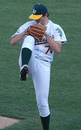 Barry Zito warming up before the game