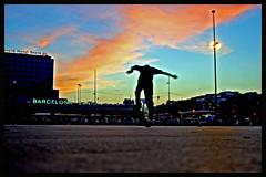 SKATEBOARDING (Payuta Louro) Tags: barcelona city sunset colour sports station train square tren photo flickr skateboarding skate louro estacin deportes sants mireia monopatin patinar pipnopipno ltytr1