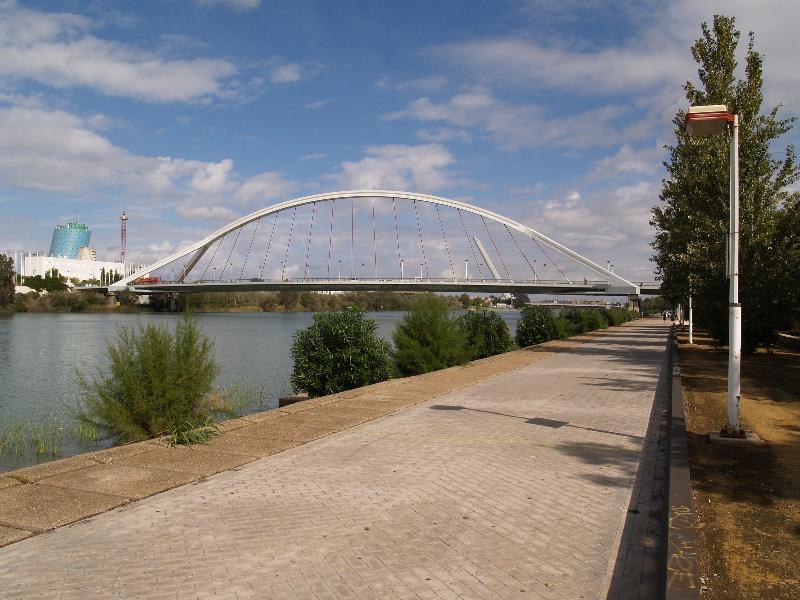 Puente de la Barqueta.