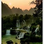 德天瀑布  Detian Waterfall  at 6.30pm
