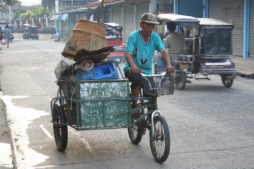 Angono Rizal transport tricylce junk pedal power Pinoy Filipino Pilipino Buhay  people pictures photos life Philippinen  菲律宾  菲律賓  필리핀(공화국) Philippines