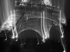 Eiffel Tower, b&w, blurry