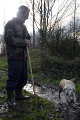 Fotoreportage: op jacht_25 (3A_Brusselmans Yannick) Tags: dog nature forest woods labrador belgium hunting natuur oldman hond hunter bos hunt jager oppuurs jagen jacht sintamands