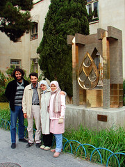 Friends in Isfahan (Hamed Saber) Tags: friends sarah geotagged persian flickr meetup iran persia saber gathering iranian  groupshot hamed isfahan flickrmeetup farsi   flickrites  flickies khashayar     somayeh      flickr:user=hamedsaber flickr:user=somayeht