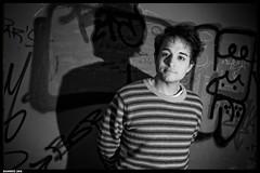 20061127 - Sawaru (Giandomenico Ricci) Tags: boy portrait man color wall night hand flash brush uomo ritratto friuli ragazzo udine 1on1photooftheday sawaru