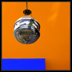 Luz y colores - Light and colours (jose_miguel) Tags: blue light espaa orange color colour luz lamp miguel azul lumix spain bravo searchthebest jose panasonic morocco maroc marrakech marrakesh lampara marruecos naranja fz50 magicdonkey outstandingshots fivestarsgallery marraquech abigfave artlibre shieldofexcellence ltytrx51 bratanesque