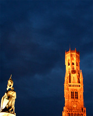 inquietudine medievale (so_sintra) Tags: brugge pioggia medioevo notturno battaglia belgio