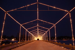 Dec 1 037 (Jeannette Greaves) Tags: bridge island lights xmaslights islandbridge portagelaprairie