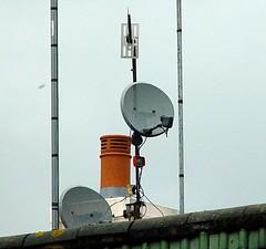antennas (rabinal) Tags: roof sky kent tv dish satellite wells fed antenna antennas tunbridge offset