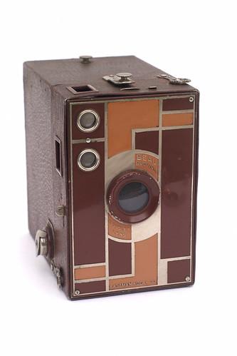 Kodak Beau Brownie No. 2A (упаковка коричневого цвета для камеры Kodak)