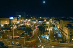 Full Moon (Hans van Reenen) Tags: longexposure italy moon night lune mond traffic luna trfico napoli naples verkehr traffico neapel napels verkeer piazzagaribaldi