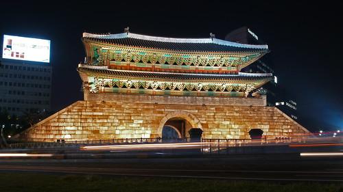 Namdaemun (Great South Gate) at night