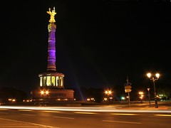 Victory Column (Berlin) (M Kuhn) Tags: berlin night nacht festivaloflights siegessule groerstern victorycolumn goldelse berlinvictorycolumn festivaloflights2006 berlinersiegessule