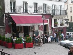 PARIGI - Montmartre (gabrilu) Tags: people paris france restaurant cafe europe streetlife montmartre francia parigi buttedemontmartre