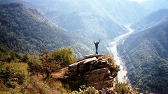 Aydın on top of Bulkaya, Spoluka, Bulgaria 2005 (ali eminov) Tags: ardariver landscapes rhodopemountains köçekler spoluka easterneurope bulgaria bulgaristan eeecotourism rodopi bulgarianmountains imagesofbulgaria rivers arda rhodopes bulkaya