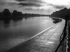Grey Day for the River Trent (Ch@rTy) Tags: nottingham uk river dark grey moody grim charlie trent tyack charlietyackcom sillitoetrailtrent