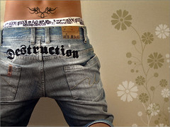 Destruction (Previsto) Tags: colours retrato autor waistband