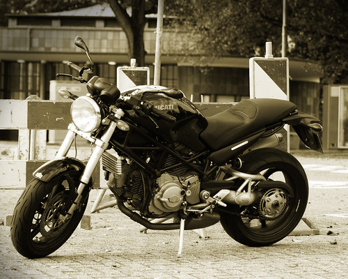 Ducati Monster S2Root / Ronald