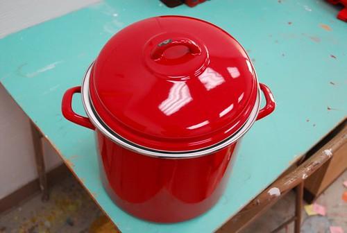 enamel cooking pot