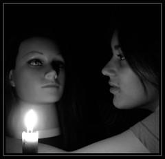 Miradas (Manme) Tags: bw luz candle head bn ojos cabeza vela enana inma muñeca peluquería duotono mihermana blogtheorein