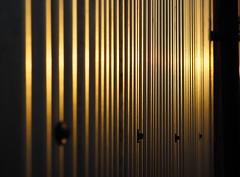 Corrugated Sundown (Céanndhubahn) Tags: puestasdelsol pôrdosol machlud günbatimi zapadslnka zachódsłońca saulėlydis saulriets solisoccasum luínagréine sólarlag päikeseloojang solnedgang západslunce zalazaksunca 3akat batma muzg auringonlansku solnedgång alkony sončnizahod zonsondergang lecoucherdusoleil sonnenuntergang tramonto atardecer goldenhour reverseangle glare refractiveerror reflection sunset byre blackandgold scotland wintersun panels farm shadows silver black abstract bolts goldenlight parallellines rivets bokeh corrugated sundown