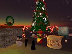Second Life BB 49 (Gary Hayes) Tags: secondlife bigbrother housemates xmastree challenges endemol muve environmentdesign virtualrealitytv tvformat