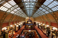QVB - Sydney (Cris Pierry) Tags: light architecture interestingness interior sydney indoors qvb queenvictoriabuilding superaplus cristianopierry crispierry