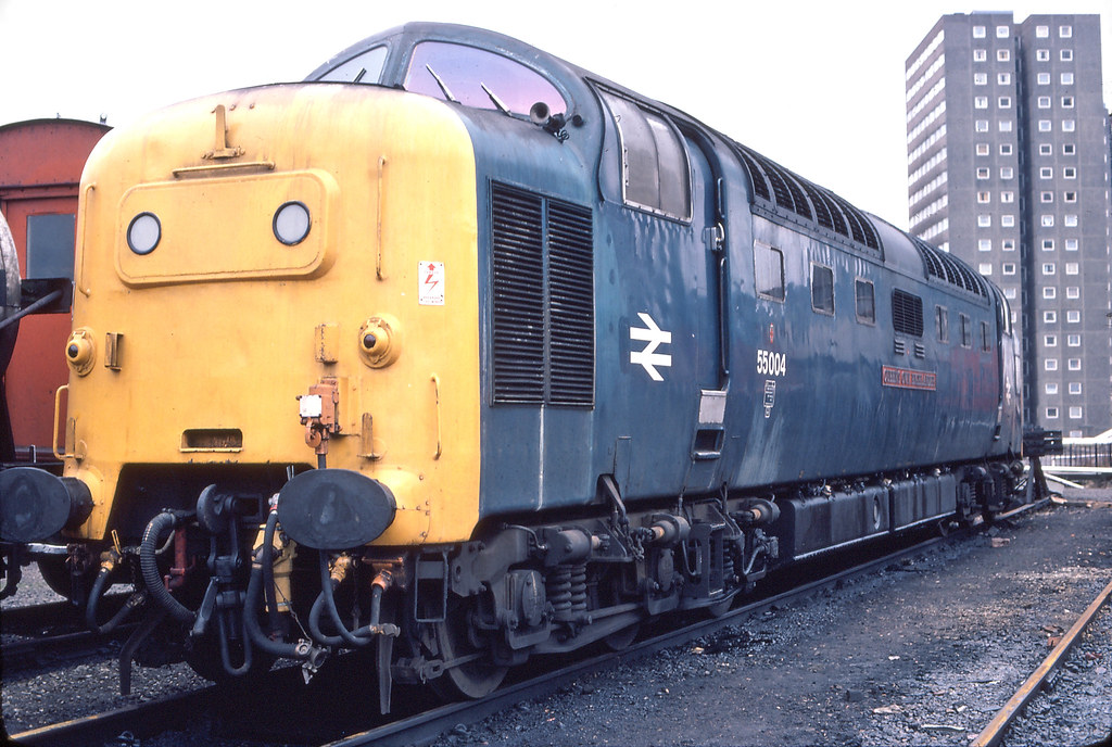 Queen's Own Highlander 55 004