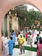 Mahabodhi Temple   entering 2