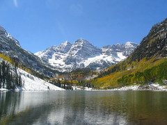 Lake , Peaks , Snow and Trees (angad_dap) Tags: aspentrees maroonlake abigfave snowrockies