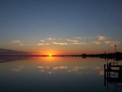 Sunrise (Mundoo) Tags: sky cloud water sunrise jetty australia southaustralia msh fleurieu msh0407 abigfave msh0107 msh010718 apcomp msh040711 apcompsant apcompsant2006 apcompsant2006november apcompsant2006novembera
