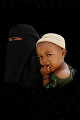 Veiled woman and baby - Yemen (Eric Lafforgue) Tags: black children kid noir republic child beggar arabic arabia yemen arabian ramadan enfant yemeni yaman mendiant arabie jemen lafforgue arabiafelix  arabieheureuse  arabianpeninsula ericlafforgue iemen lafforguemaccom mytripsmypics ericlafforgue imen imen yemni    jemenas    wwwericlafforguecom  alyaman ericlafforguecomericlafforgue contactlafforguemaccom yemenpicture yemenpictures