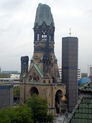 Kaiser-Wilhelm-Gedächtniskirche - by Gertrud K.