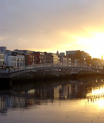 Dublin (mattrkeyworth) Tags: sunset dublin sony hapennybridge p12 dscp12 mattrkeyworth